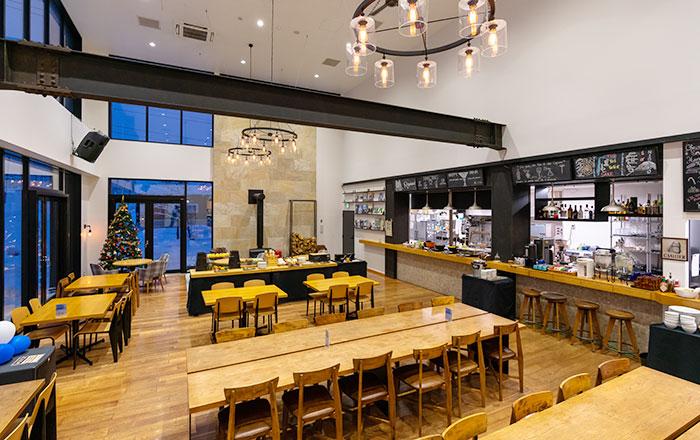 ロッジモイワ834のレストラン「ラファエル」内観