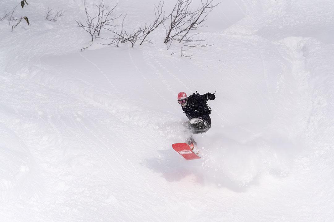 ニセコモイワスキー場のスノーボーダー
